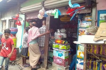 নায়ড়া বাজারে দু:সাহসিক চুরি