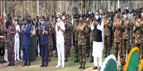 https://thenewse.com/wp-content/uploads/Home-MInister-to-shahid-army.jpg