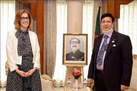 Foreign Minister Dr. A K Abdul Momen requested the new Swiss Ambassador to BangladeshMs. Nathalie Chuardto encourage Swiss investors to invest in the Hi-tech parks of Bangladesh.