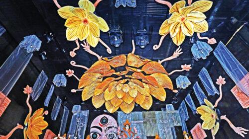 চট্টগ্রাম হাজারীলাইন পুজামান্ডপ ভিন্ন্ আঙ্গীকে সাজানো হয়েছে